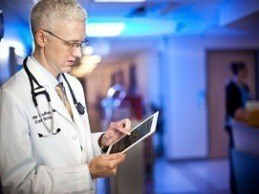 How Physicians Utilize Digital Media for Patient Interaction