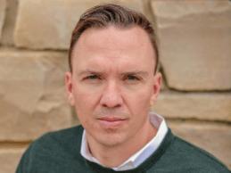 Matt Dickson,VP,产品,策略和Stericycle的通信解决方案